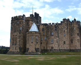 alnwick castle constructed 1096